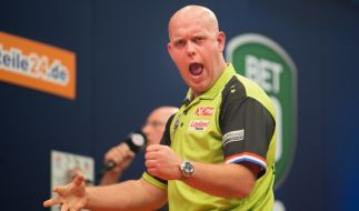 "Michael van Gerwen (* 1989), Niederlande, aktiv seit 2003, Spitzname ""Mighty Mike"", ""The Green Machine"" oder MVG, Einlaufmusik ""Seven Nation Army"" (Foto)"