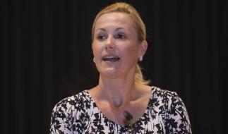 Bettina Wulff hat Ärger mit der Justiz: Gegen die 44-Jährige wird wegen Trunkenheit am Steuer ermittelt. (Foto)
