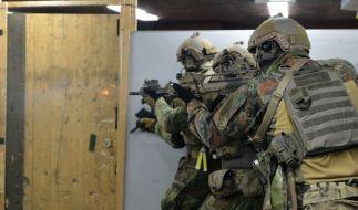 In der Kaserne in Calw werden KSK-Soldaten für besonders brenzlige Situationen ausgebildet. (Foto)