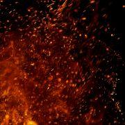 Sohn lässt seinen Vater in einem Feuerball aufgehen (Foto)