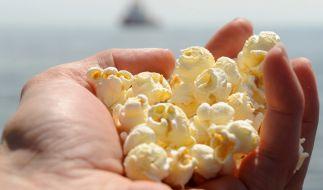 Das Unternehmen Seeberger ruft seinen Popcorn-Mais zurück. (Symbolbild) (Foto)