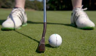 Bei einem Golfturnier wurde eine Frau am Auge verletzt (Symbolbild). (Foto)