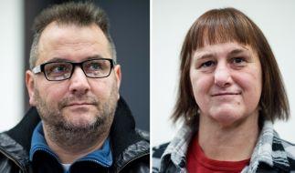 Der Angeklagte Wilfried Max W. und die Angeklagte Angelika W. sitzen im Landgericht Paderborn. Am Freitag soll das Urteil im Mordprozess nach den tödliche Misshandlungen fallen. (Foto)