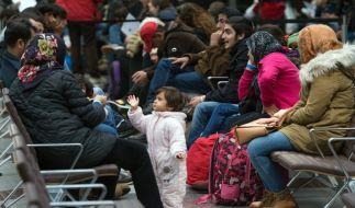 Während der Flüchtlingskrise wurden viele Asylanträge ohne persönliche Anhörung entschieden. (Foto)