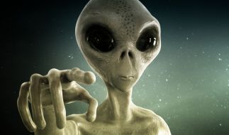 Zeigt ein Video von der ISS etwa ein Alien-Raumschiff? (Foto)