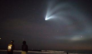 Eine Falcon-9-Rakete landete erstmals auf kalifornischem Festland. (Foto)