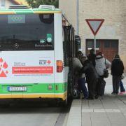 Frau in Linienbus durch Steinewerfer verletzt - Polizei sucht Zeugen! (Foto)