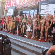 Alle Stars der Venus posieren für die Fotografen.