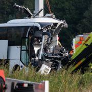 Deutscher Reisebus in der Schweiz verunglückt - eine Tote, 15 Verletzte! (Foto)