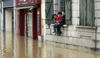 Hochwasser haben im Süden Frankreichs mindestens 13 Todesopfer gefordert. (Foto)