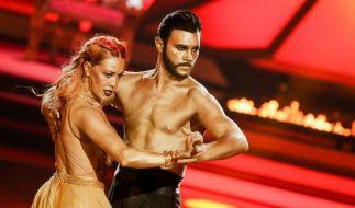 """Profitänzerin Oana Nechiti, hier mit Schauspieler Bela Klentze bei """"Let's Dance"""", wird die Jury von """"Deutschland sucht den Superstar"""" verstärken. (Foto)"""
