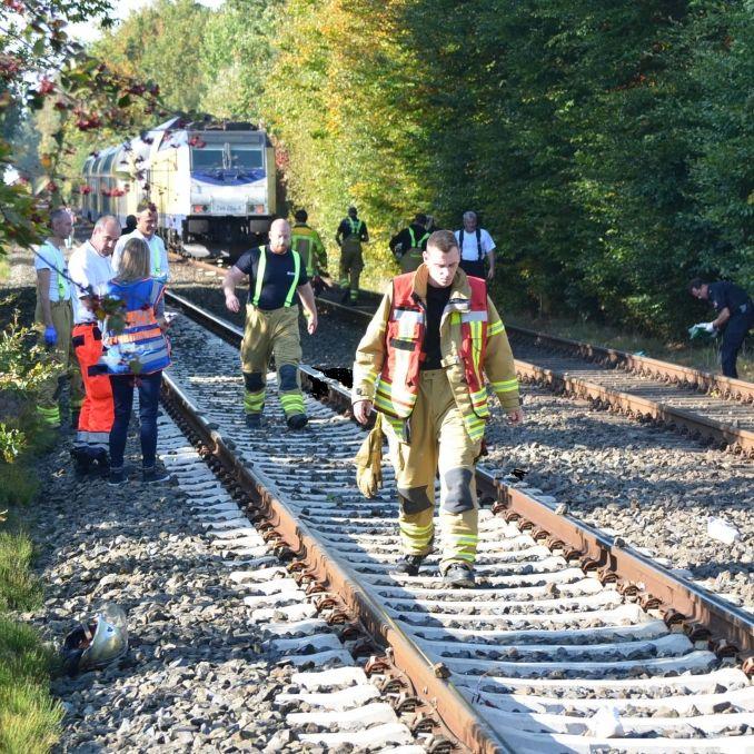 Horror-Unfall! 16-Jährige von Zug erfasst und getötet (Foto)