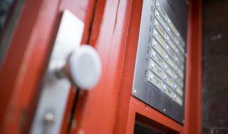 Sind Namen auf Klingelschildern nicht konform mit Datenschutzverordnungen? (Foto)