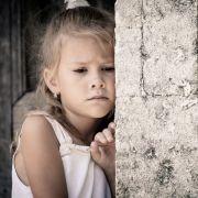 Eltern sperren ihr besessenes Kind monatelang im Keller ein (Foto)