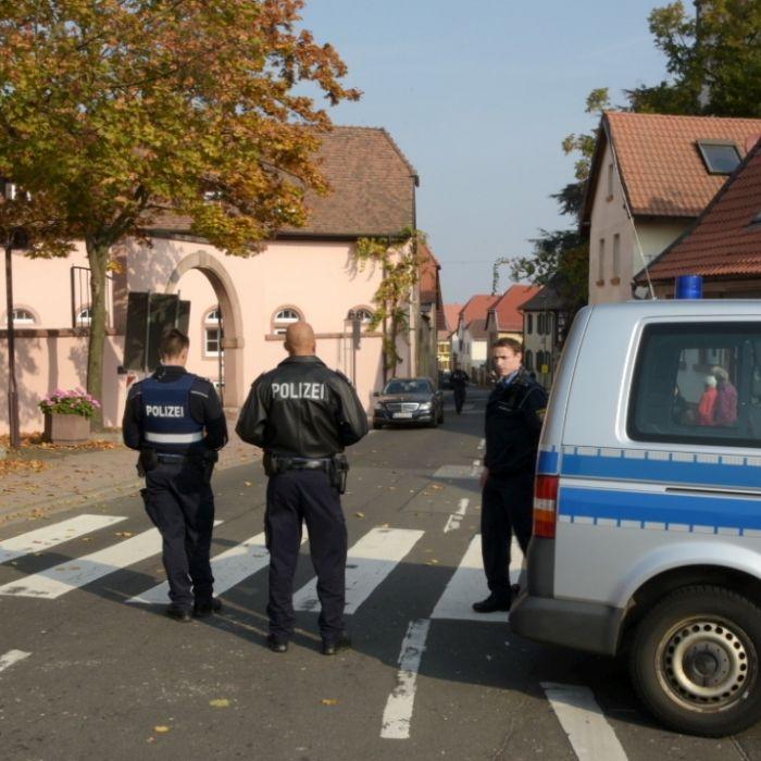 2 Tote bei Polizeieinsatz! Mann greift im Drogenrausch Polizisten mit Schere an (Foto)