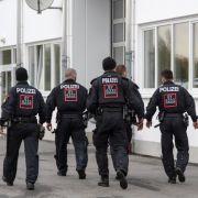 17 Festnahmen! Polizeieinsatz in Asylheim eskaliert (Foto)