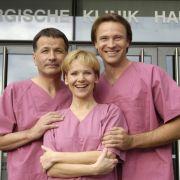 So strahlte das Team der Sachsenklinik 2005 in die Kamera: Thomas Rühmann, Andrea Kathrin Loewig und Bernhard Bettermann an ihrem Arbeitsplatz.