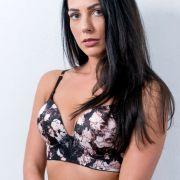 Elena (25) aus Kleinatingen liebt ihren Körper. Ob sie Sylvie Meis mit dieser Leidenschaft von sich überzeugen kann?