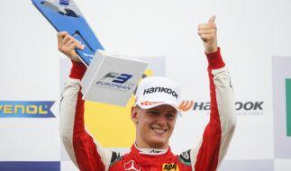 F3-Pilot Mick Schumacher auf dem Hockenheimring nach seinem Tagessieg am 14. Oktober 2018. (Foto)