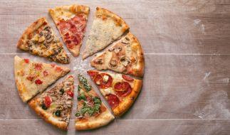 """Bei Rewe wird aktuell Pizza der Marke """"Gustavo Gusto"""" zurückgerufen (Symbolbild). (Foto)"""