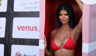Micaela, hier auf der Venus 2018, verzückt ihre Fans mit einem heißen Spiegel-Selfie. (Foto)