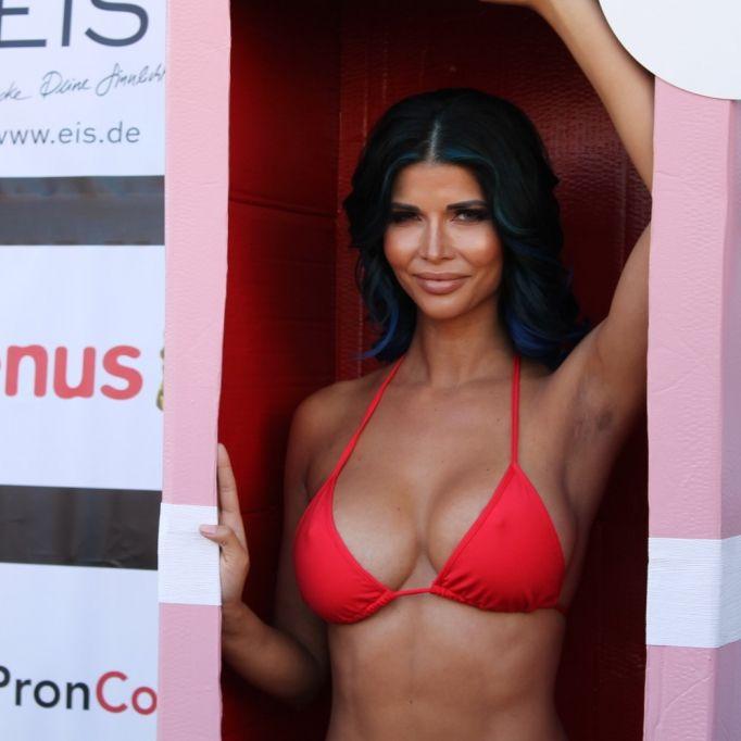 Ar***geil! Spiegel-Selfie der Nacktschnecke lässt Fans ausrasten (Foto)