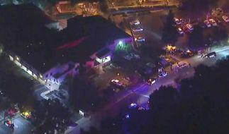 Eine Luftaufnahme der kalifornischen Bar, in der 13 Menschen erschossen wurden. (Foto)