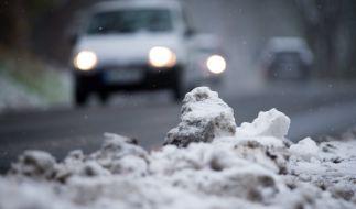 Wenn Schnee und Eis in den Wintermonaten den Straßenverkehr beeinträchtigen, sind Winterreifen Pflicht. (Foto)
