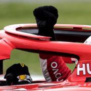 Seit der Formel-1-Weltmeisterschaft 2018 müssen alle Fahrzeuge mit dem Halo-System ausgestattet sein, das den Kopf der Fahrer vor Verletzungen schützen soll.