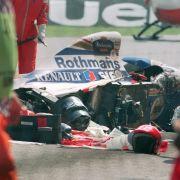 Beim Großen Preis von San Marino raste Senna mit seinem Wagen im Jahr 1994 in die Streckenbegrenzung.
