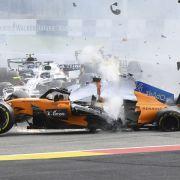Die Formel 1 gilt zurecht als die Königsklasse des Motorsports. Doch die hohen Geschwindigkeiten bergen für die Fahrer auch jede Menge Risiken. Wir stellen Ihnen die schlimmsten Unfälle in der Geschichte der Formel 1 vor.