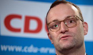 Jens Spahn will für das neue Pflegepaket Kinderlose mehr belasten. (Foto)