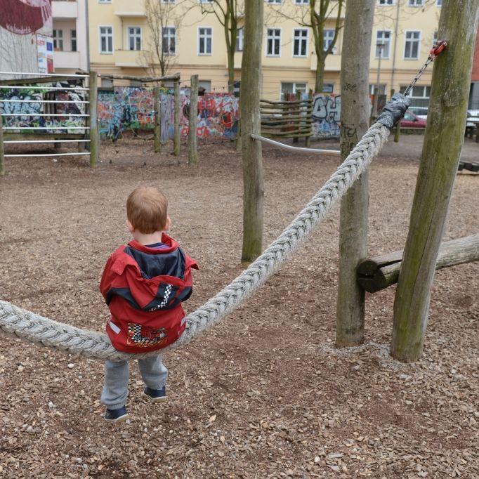 Junge (5) nach Penis-Biss im Krankenhaus (Foto)