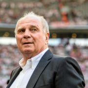 Bayern Präsident Uli Hoeneß spricht von Rückzug.