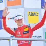 Mick Schumacher ist eine große Ehre zuteil geworden: Der Sohn von Michael Schumacher wurde zum