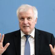 Rücktritt vom Rücktritt! Seehofer bleibt Innenminister (Foto)