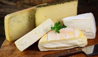 Die Hofkäserei Büttner muss aktuell Käse zurückrufen. (Foto)