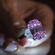 Rosa Diamant für sagenhafte 39 Millionen Euro versteigert (Foto)