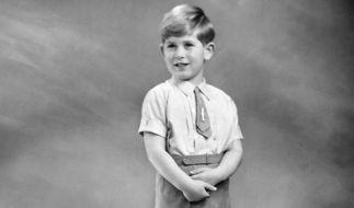 Prinz Charles wurde 1947 als erster Sohn von Queen Elisabeth II. (damals noch Prinzessin Elisabeth) und ihrem Prinzgemahl Philip geboren. Damit ist er der Erste in der Reihe der britischen Thronfolge. (Foto)