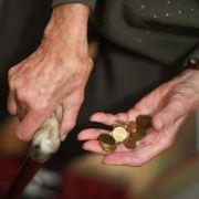 60 Millionen verprasst! Riesiges Loch klafft in Rentenkasse (Foto)