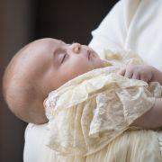 Prinz Louis wurde am 23. April 2018 geboren und ist der jüngste Sohn von Prinz William und Herzogin Kate.