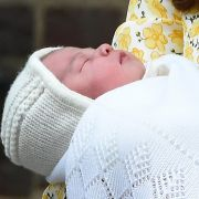 Prinzessin Charlotte ist bislang die einzige Tochter von Prinz William und Herzogin Kate. Sie wurde am 02. Mai 2015 geboren.