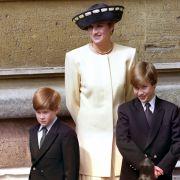 Prinz Harry (links) und Prinz William (rechts) im Jahre 1992 mit ihrer Mutter Lady Di. Die