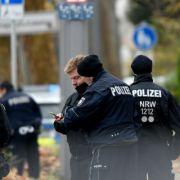 Polizei nimmt Bewaffneten nach Geiselnahme an Tankstelle fest (Foto)