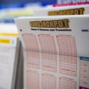 Paar findet Lottoschein beim Aufräumen - und kassiert Millionengewinn (Foto)