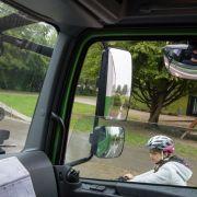 Lkw übersieht Radfahrerin auf Schulweg - 16-Jährige tot! (Foto)