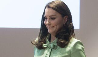 Kate Middleton mit Babybauch - ein Anblick, den sich viele Royals-Fans zum vierten Mal von Herzen wünschen. Doch ist die Herzogin tatsächlich wieder schwanger? (Foto)