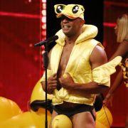 DIESER Kandidat wollte Sylvie als strippende Badeente verführen (Foto)