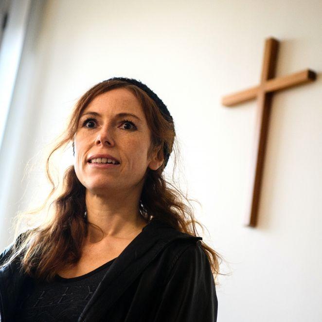 Geldstrafe für die TV-Nonne! HIER zieht sie in YouTube blank (Foto)