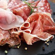 Salmonellen-Alarm! Aldi ruft DIESE Wurst zurück (Foto)